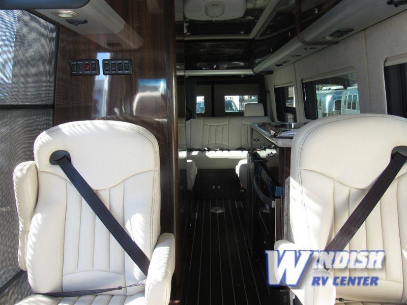 AIRSTREAM RV INTERSTATE LOUNGE EXT Interior