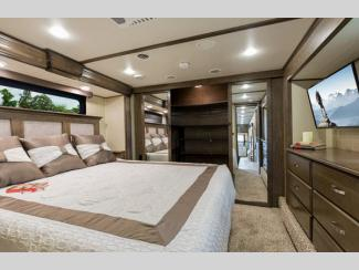 solitude fifth wheel bedroom